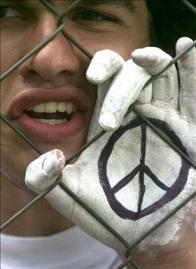 La Universidad entre la violencia y la razón / Héctor Malavé Mata